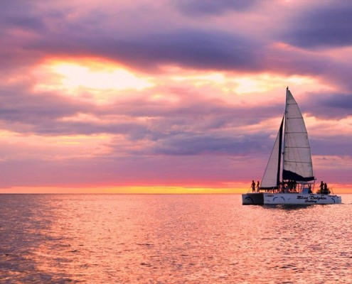 Sunset sails are a great choice for your honeymoon in Tamarindo