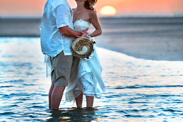 bride and groom celebrating a destination wedding in Costa Rica
