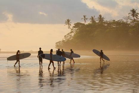 Tamarindo beginner surfing