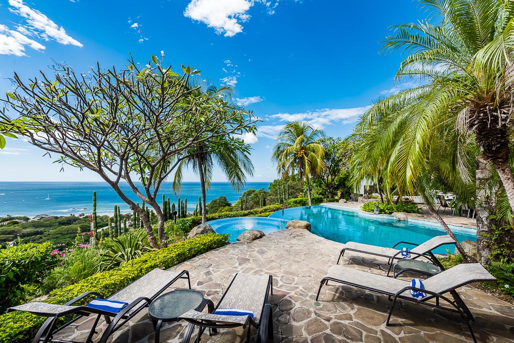plan a corporate retreat in Costa Rica