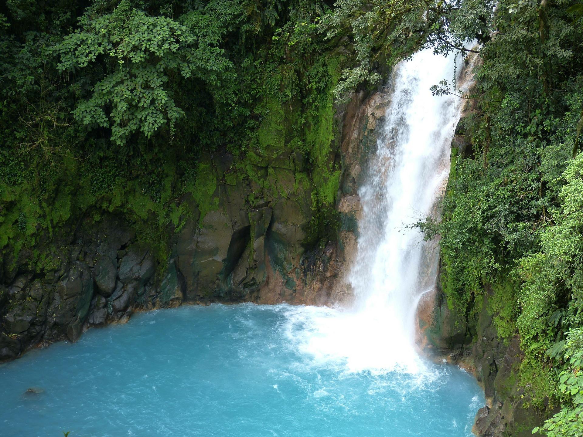 Tenorio Volcano waterfall