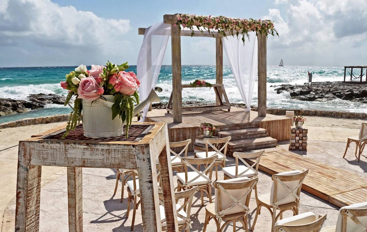 Tamarindo destination wedding rustic chic-min