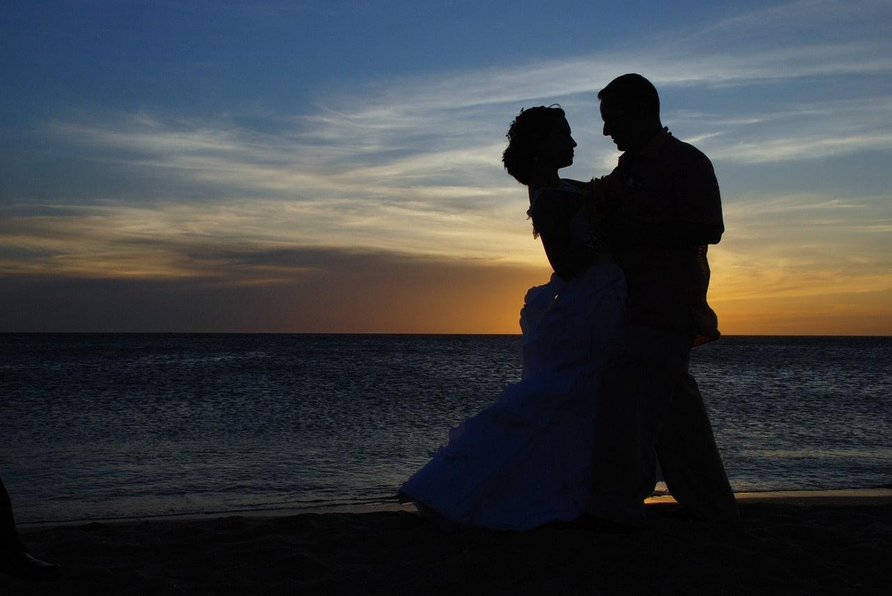 Tamarindo destination wedding couple-min