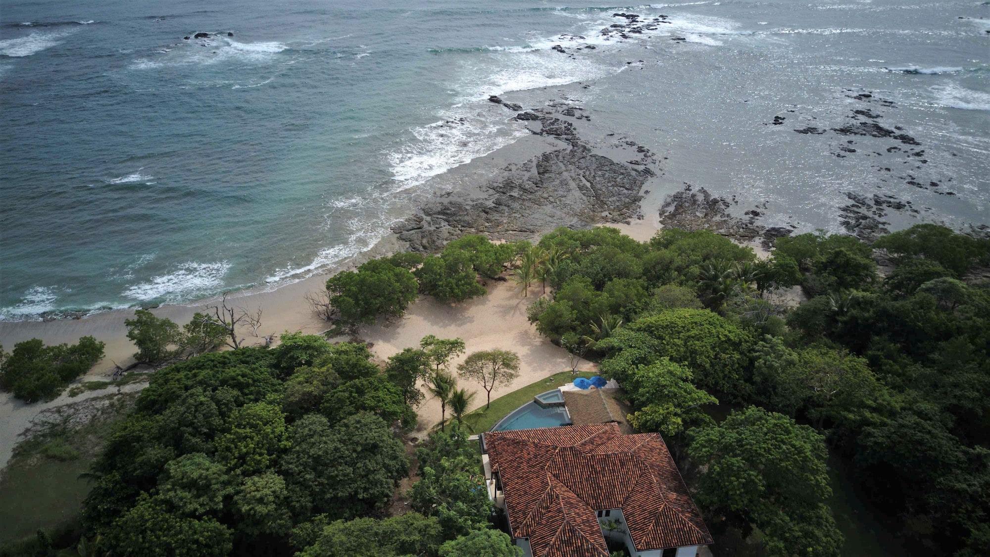 Casa Costa Blanca beachfront Tamarindo vacation rental-min