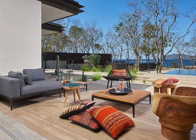 Casa Bella Mora oceanfront vacation rentals in Tamarindo