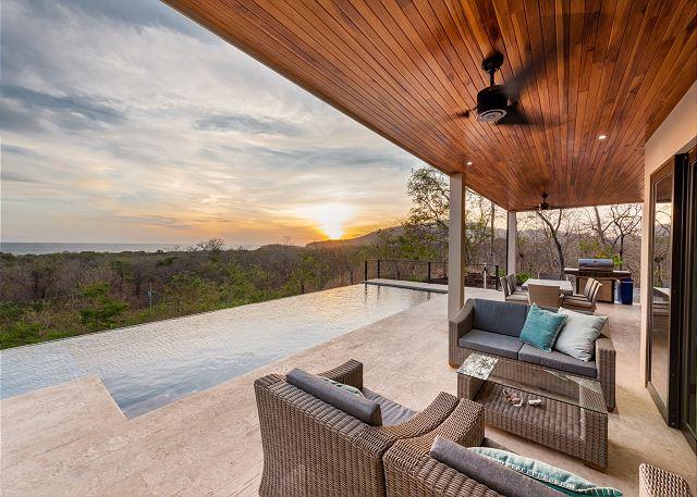 Tamarindo vacation rental-Vista Salinas sunset