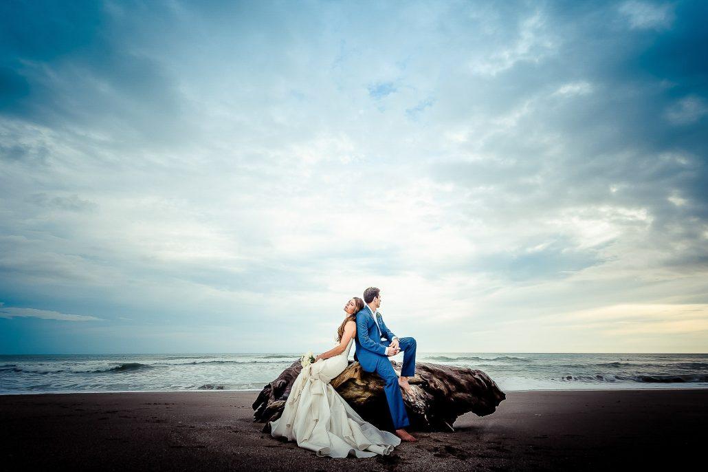 Costa Rica wedding photographer Toh Gouttenoire-min