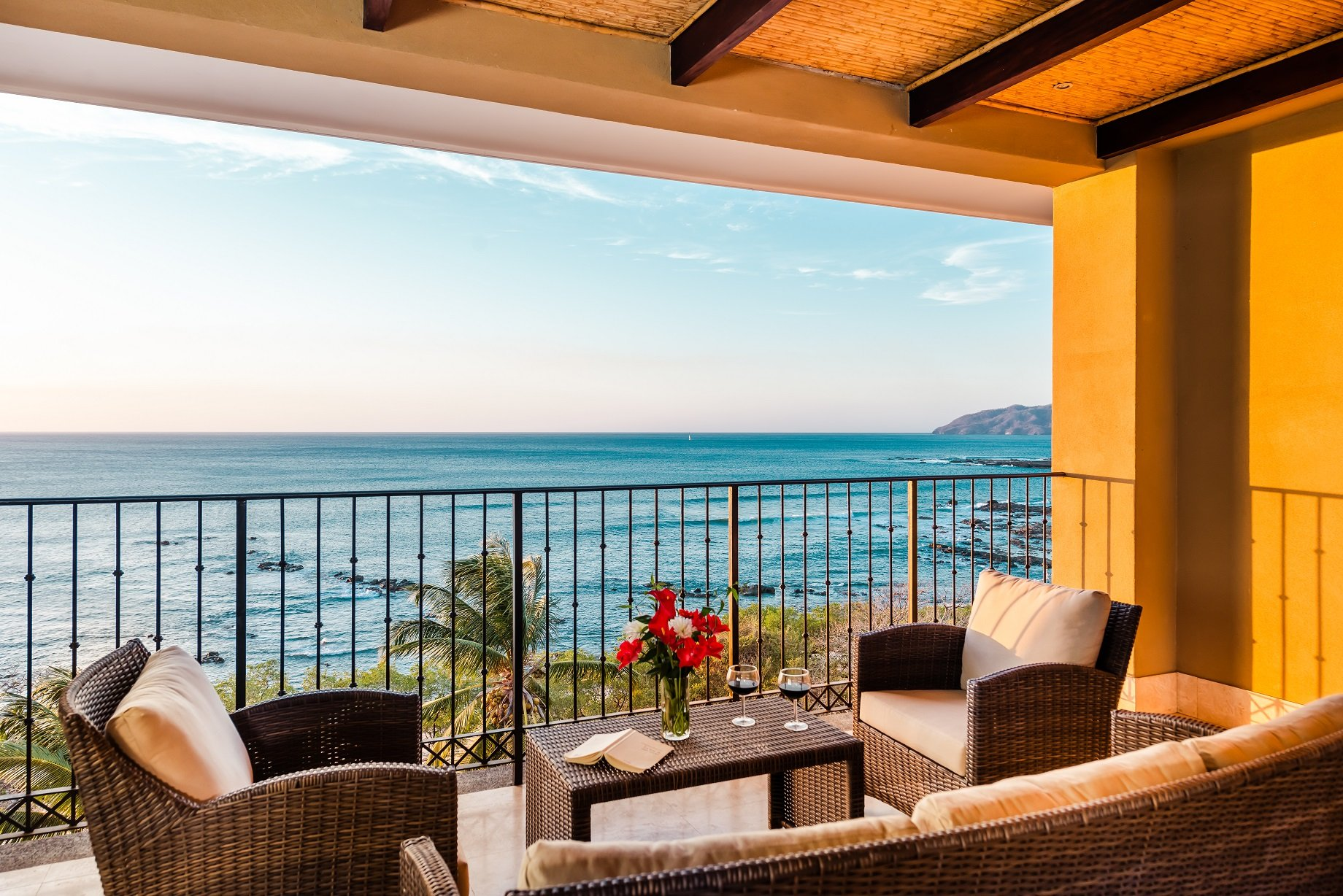 Crystal Sands 504 Costa Rica penthouse vacation rental